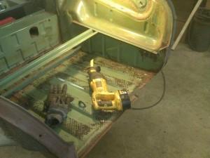 Trunk Rear Crossmeber Removed
